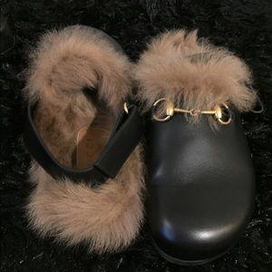 Fur Gucci loafer